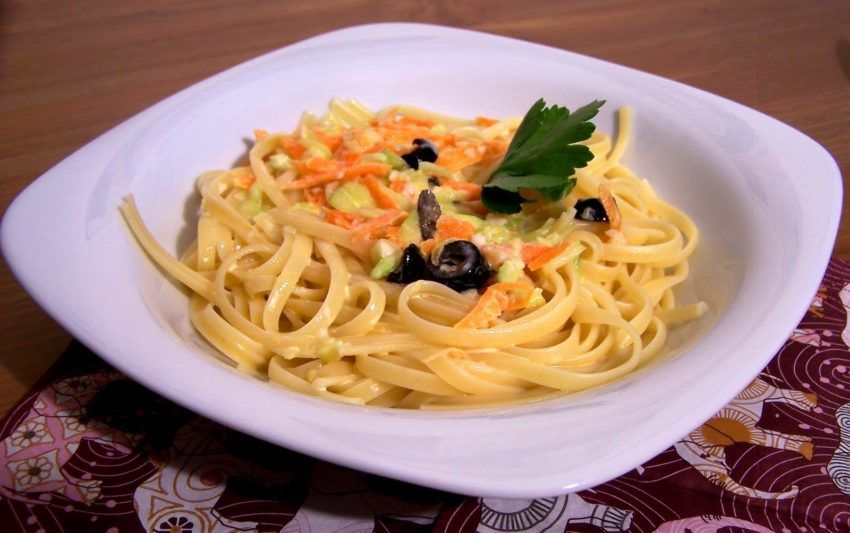Füme pastırmalı spagetti tarifi
